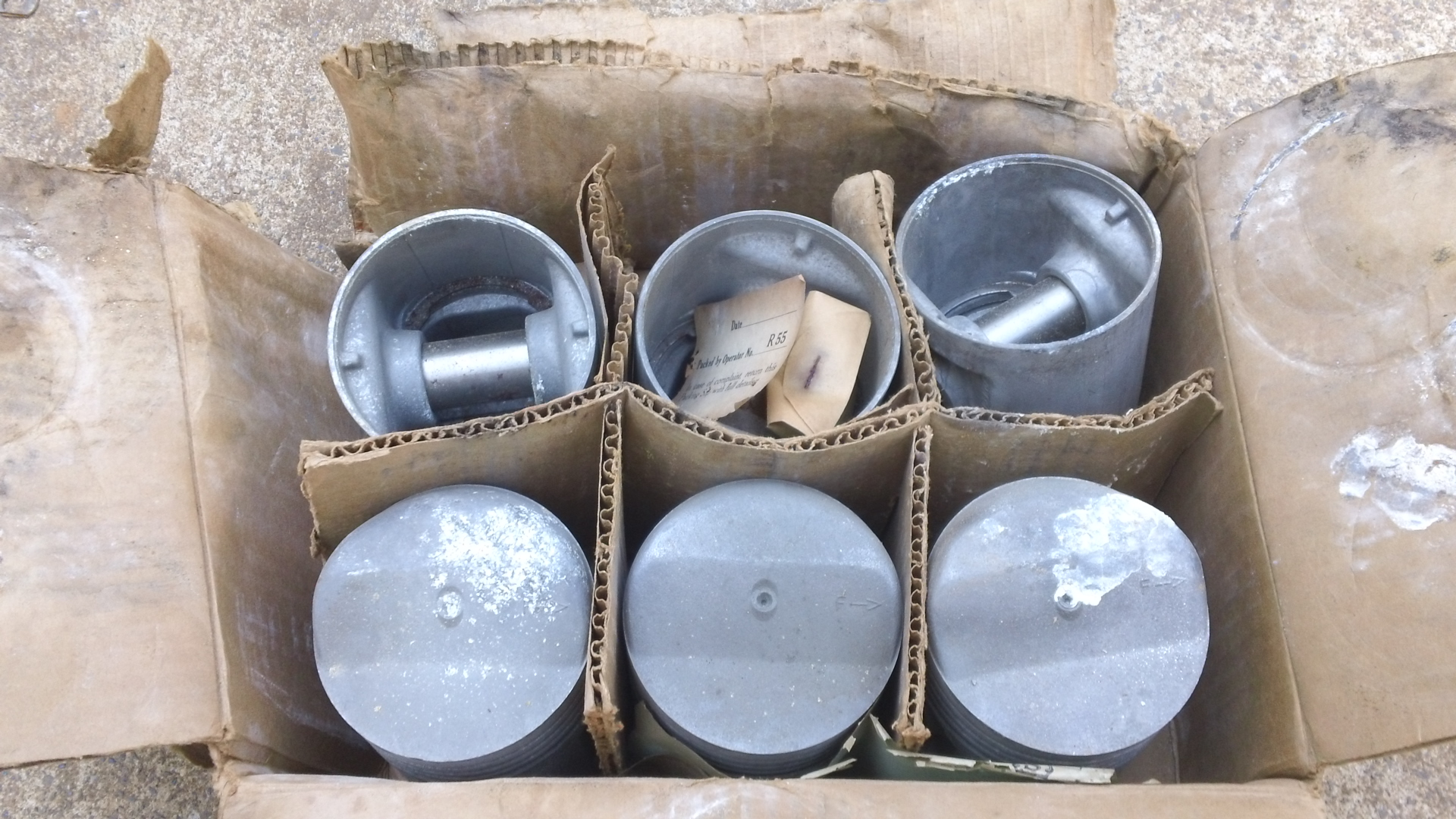 Find NORS 1941 1942 1943 1944 1945 1946 1947 1948 1949 1950 1951 1952 GMC piston set motorcycle